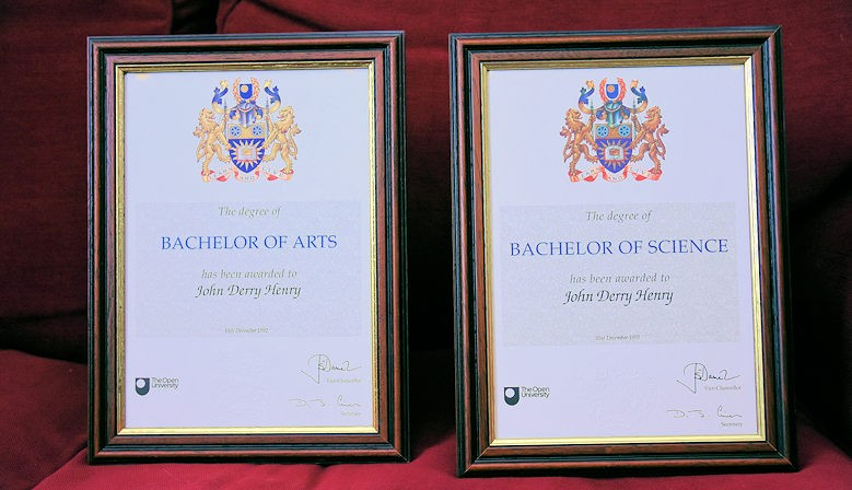 Frames - Certificate Photo & Picture Frame Products.